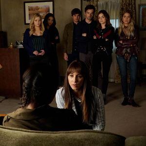 Photo Ashley Benson, Ian Harding, Lucy Hale, Sasha Pieterse, Shay Mitchell