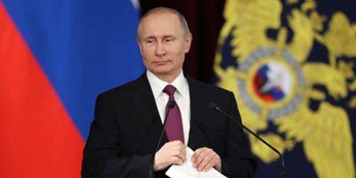 EuropaCorp retire Vladimir Poutine du film sur le Koursk