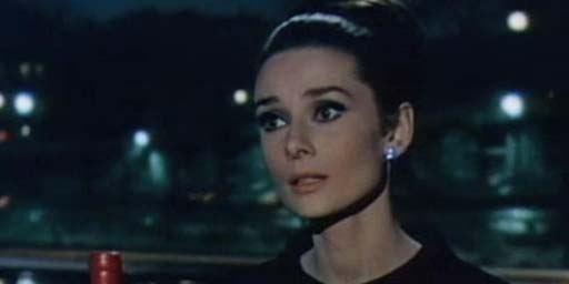"""""""Charade"""" ce soir sur Ciné+ Classic : l'ombre de Hitchcock, Cary Grant mal à l'aise, problèmes de droits... Tout sur le film"""