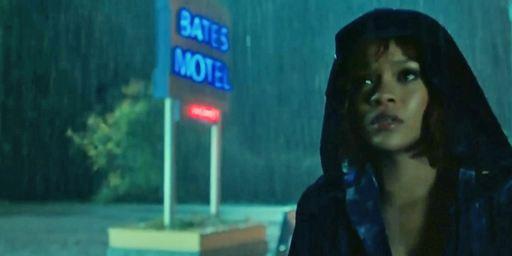 Bates Motel : c'est bientôt la douche froide pour Rihanna !