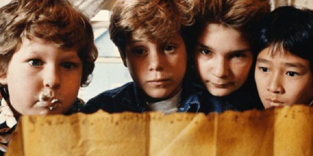 Les Goonies, Stranger Things, Ça : les looks de vos bandes ciné/séries préférées [PARTENAIRE]
