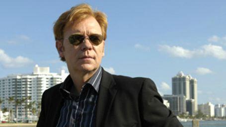 """David Caruso : le créateur de """"New York Police Blues"""" balance sur l'ex-star des """"Experts : Miami"""" !"""