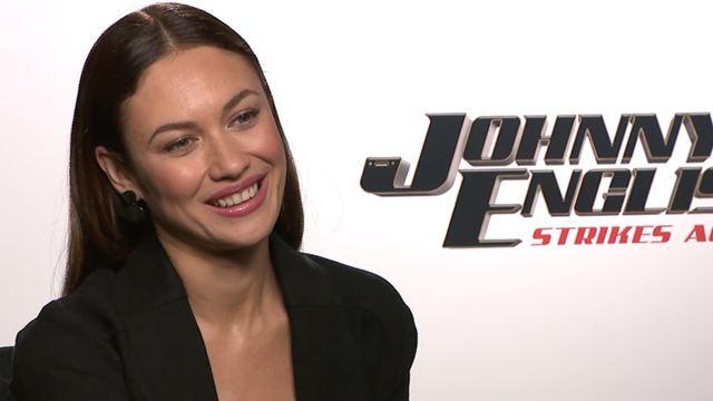 """Johnny English contre-attaque : """"J'avais l'impression de refaire James Bond mais avec de l'humour"""", confie Olga Kurylenko"""