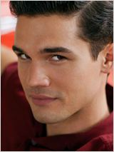 Steven Strait