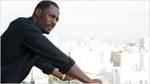 Idris Elba ovationné après un discours au Parlement britannique