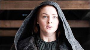 """Game of Thrones: Sophie Turner annonce la plus """"grosse saison"""" de la série !"""
