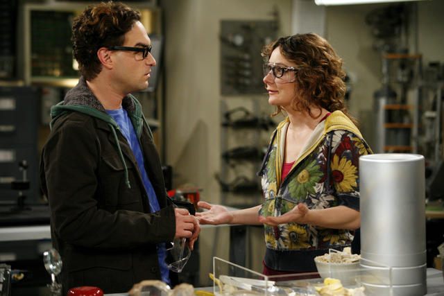 photo de sara gilbert the big bang theory photo johnny galecki sara gilbert allocin. Black Bedroom Furniture Sets. Home Design Ideas