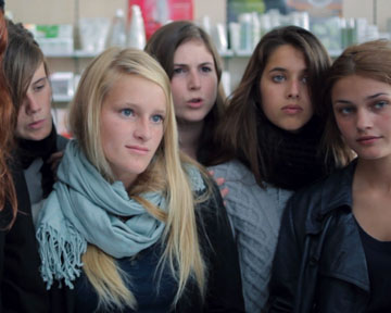 Trailer Du Film 17 Filles 17 Filles Bande Annonce Vf Allocine