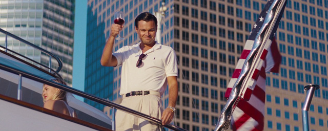 Leonardo dicaprio p te un c ble dans la bande annonce du loup de wall street de martin - Le loup de wall street film ...