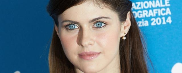 Qui est alexandra daddario la sauveteuse sexy de baywatch allocin - Actrice yeux bleus ...