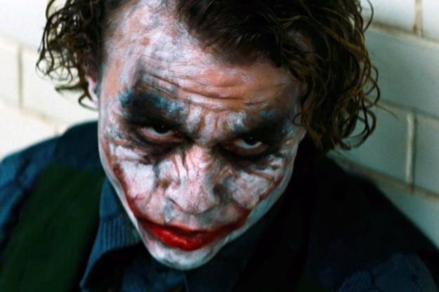 A le joker gacy 15 clowns qui font tr s peur le joker the dark knight allocin - Comment faire un maquillage de clown qui fait peur ...