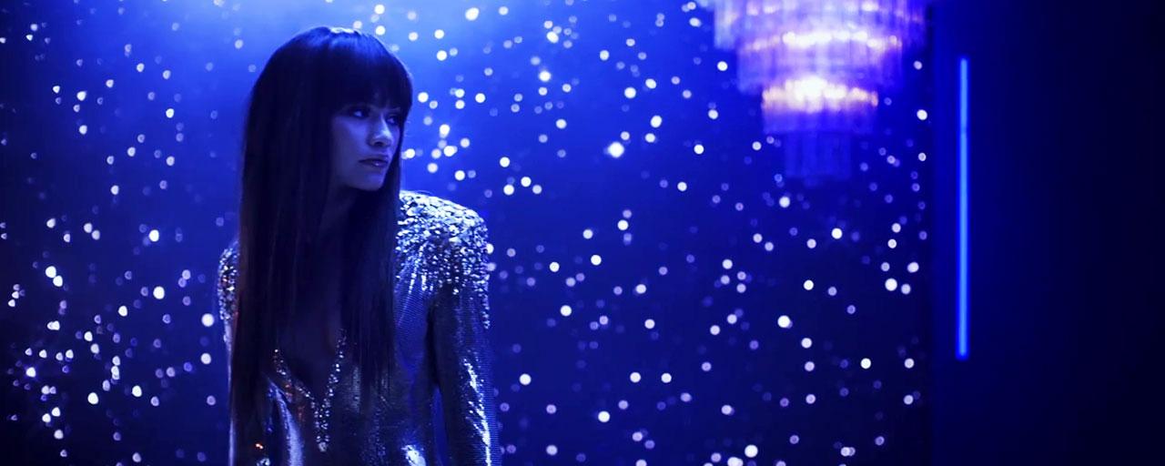 Bruno Mars fait fondre Zendaya dans le clip de Versace On The Floor