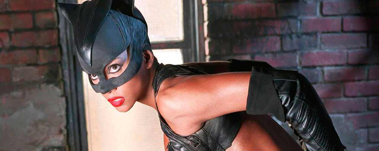 """Catwoman sur RTL9 : quand Halle Berry remerciait Warner de l'avoir """"mise dans un film de merde""""..."""