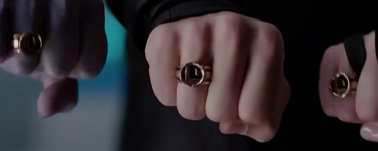 Supergirl réunit la Légion des Super-Héros dans le teaser du midseason premiere