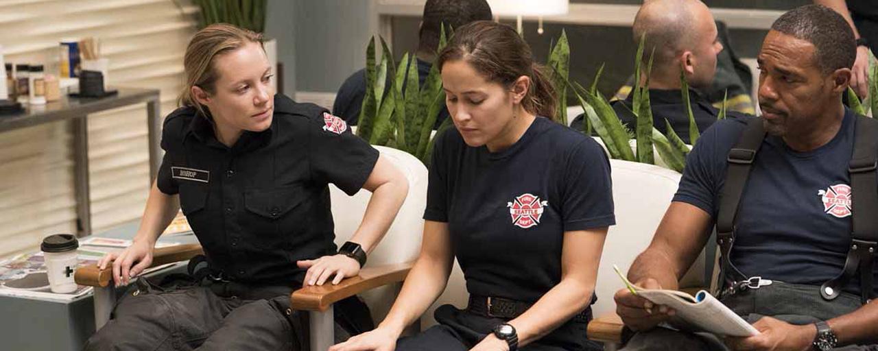 Audiences US : qui a remporté le duel des pompiers entre Station 19 et Chicago Fire ?