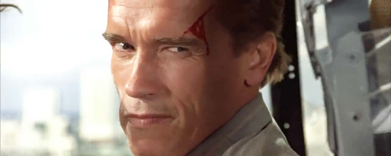 True Lies sur C Star : comment Schwarzy et James Cameron ont-il eu l'idée d'adapter La Totale ! de Claude Zidi ?