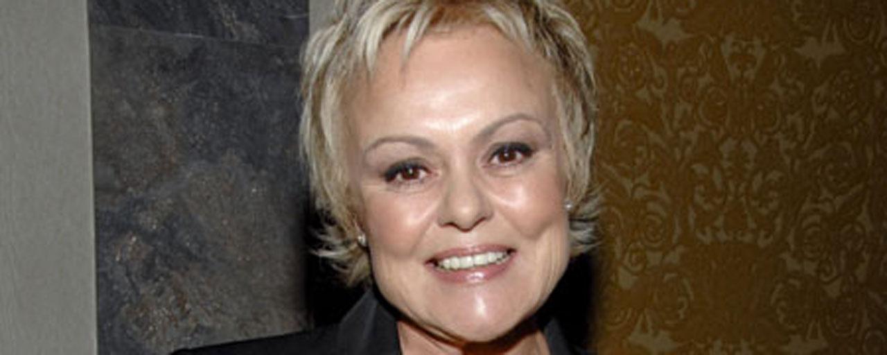 Violences conjugales : Muriel Robin et 87 célébrités s'adressent au Président Macron dans une tribune
