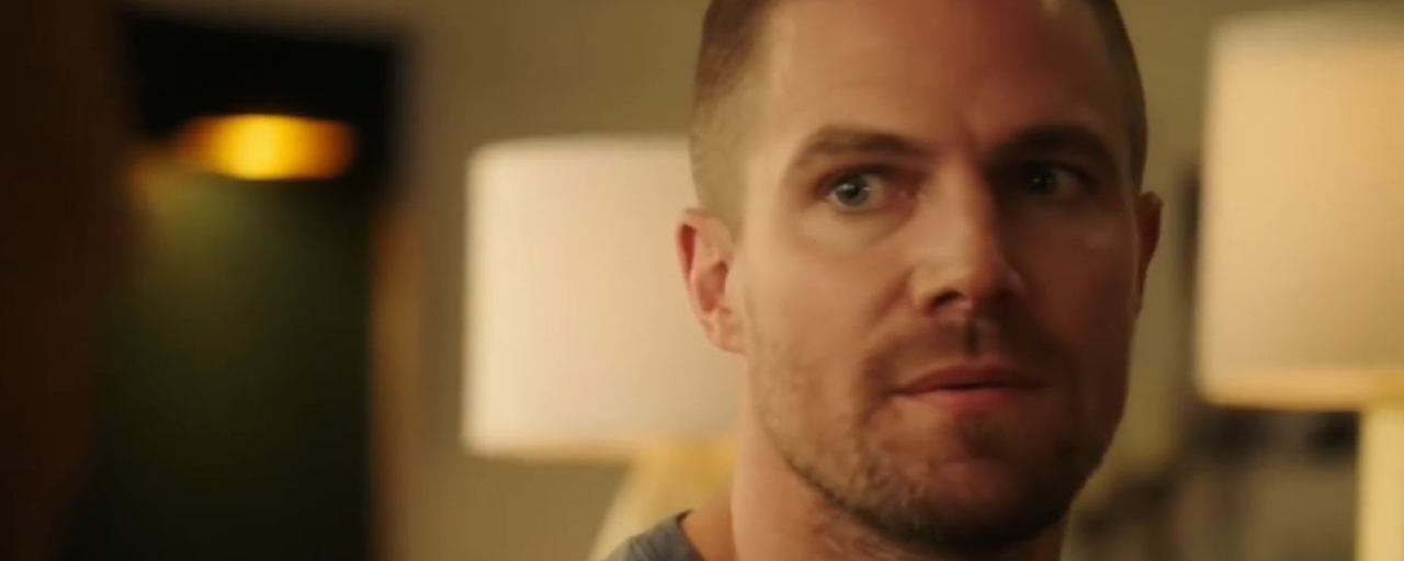 Arrowverse : Oliver Queen devient Barry Allen dans le premier teaser du cross-over Elseworlds