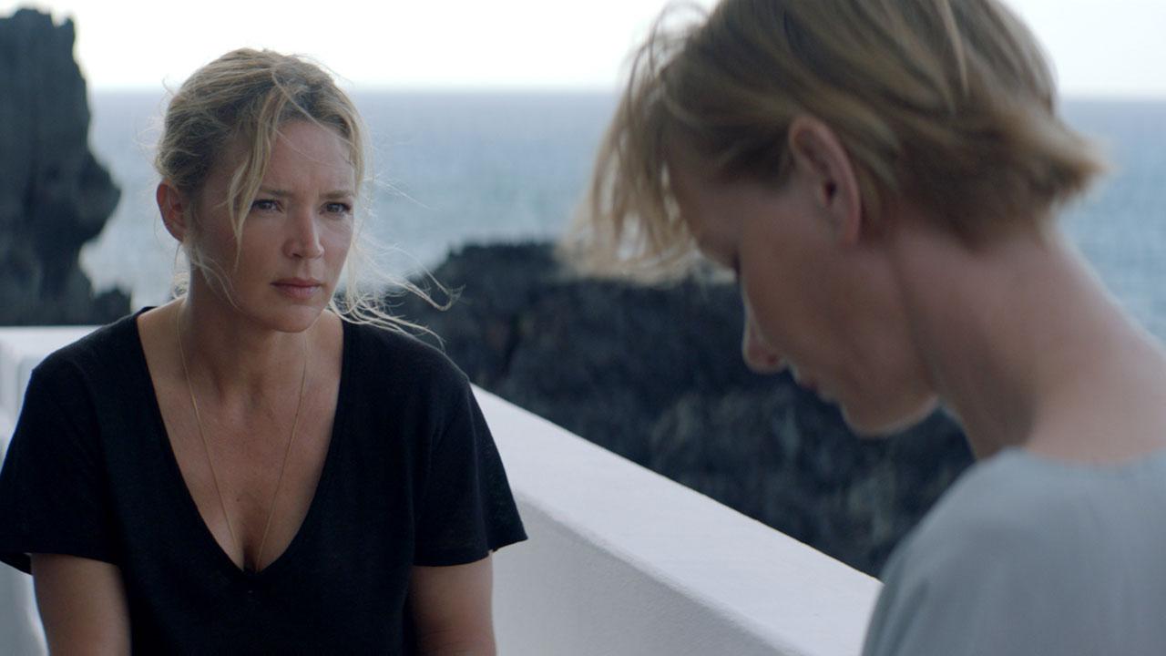 Cannes 2019 - Sibyl : Virginie Efira obsédée par Adèle Exarchopoulos dans la bande-annonce