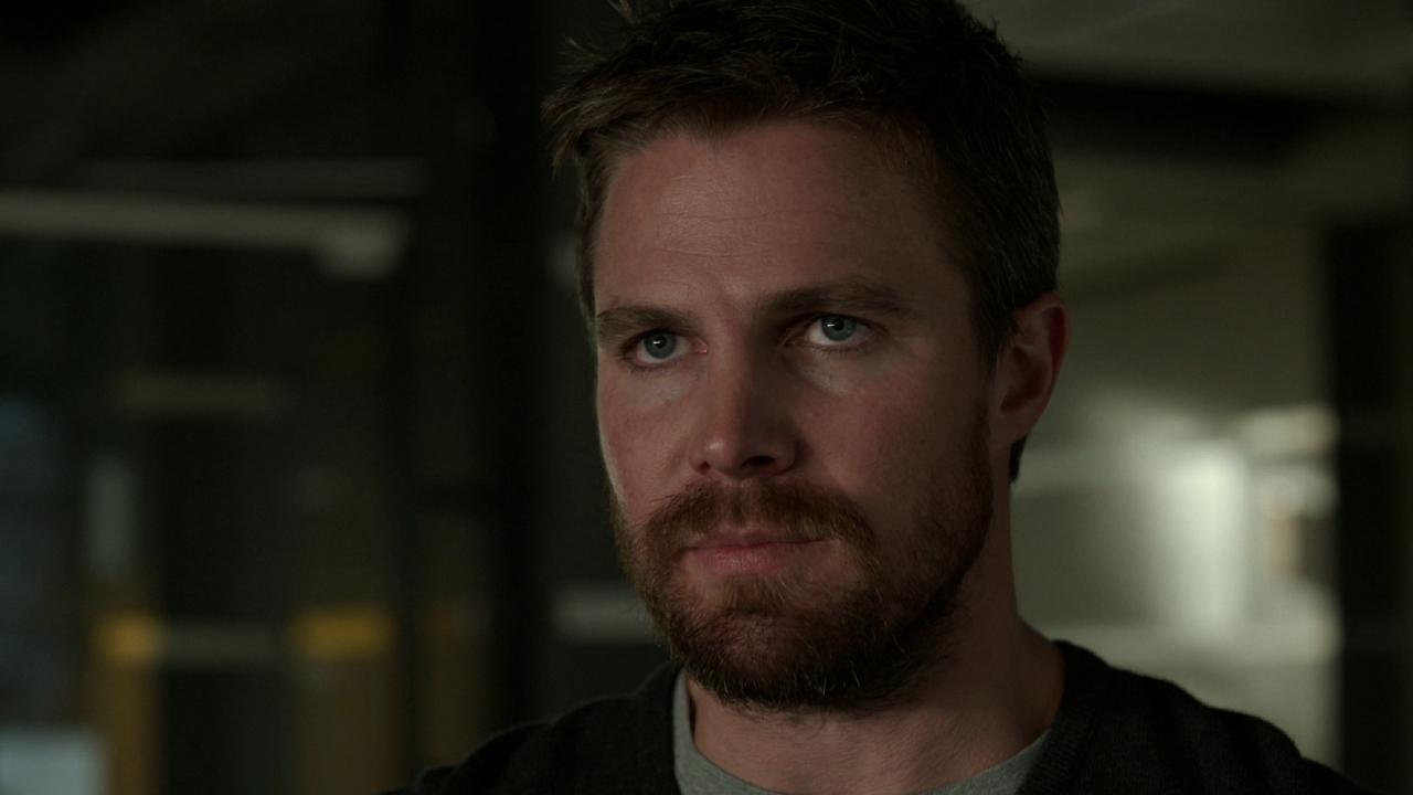 """Arrow: Stephen Amell a tourné la dernière saison """"pour l'argent"""""""