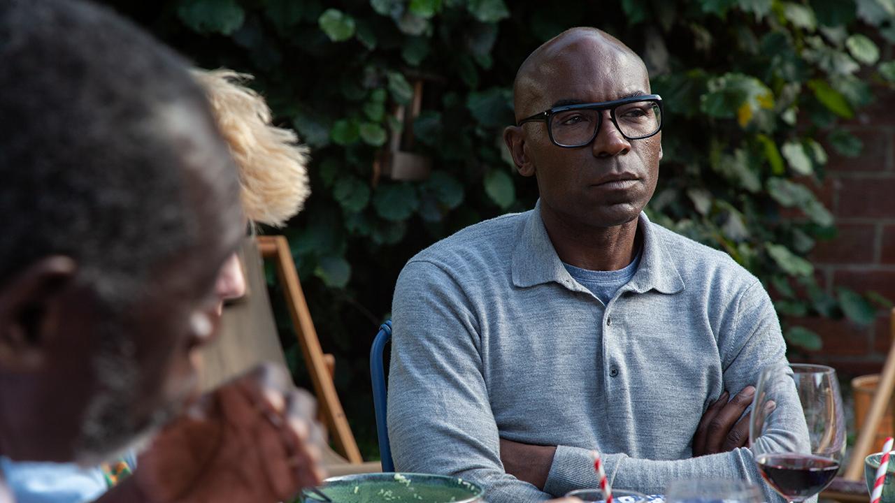 """Il a Déjà tes yeux sur France 2 : """"une série sur la famille et sur la France"""" pour Lucien Jean-Baptiste"""