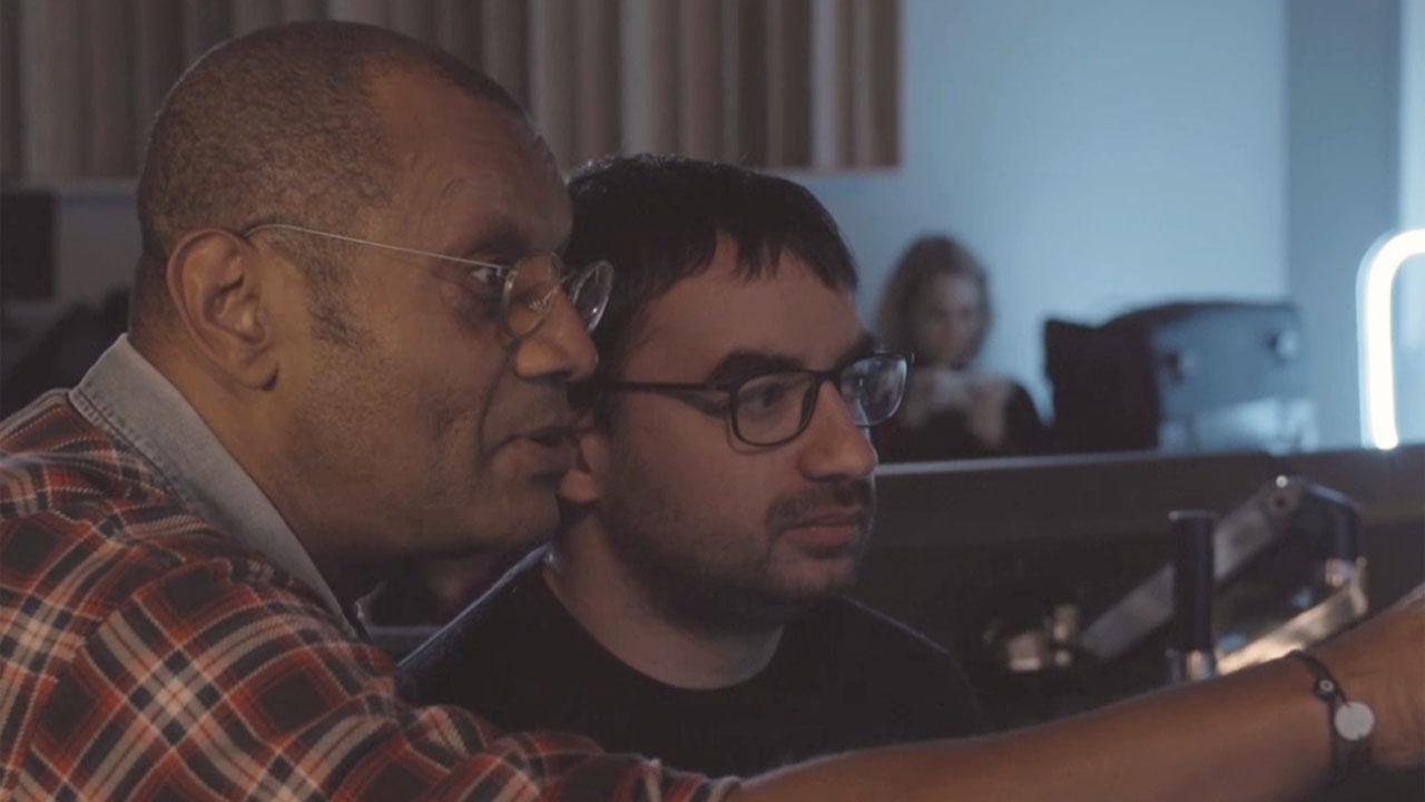 Amazon Dubbing Experience : on a testé le doublage avec Thierry Desroses, voix française de Samuel L. Jackson