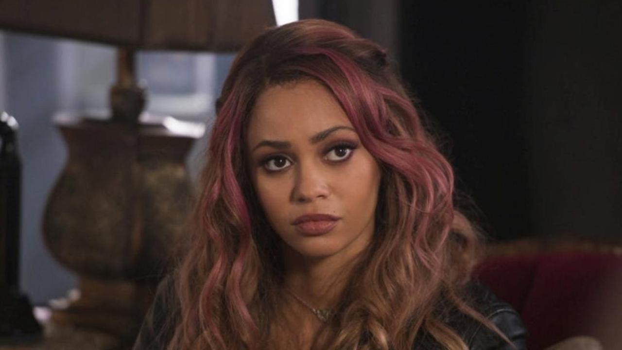 Riverdale : Vanessa Morgan (Toni) dénonce la représentation des Afro-Américains dans la série