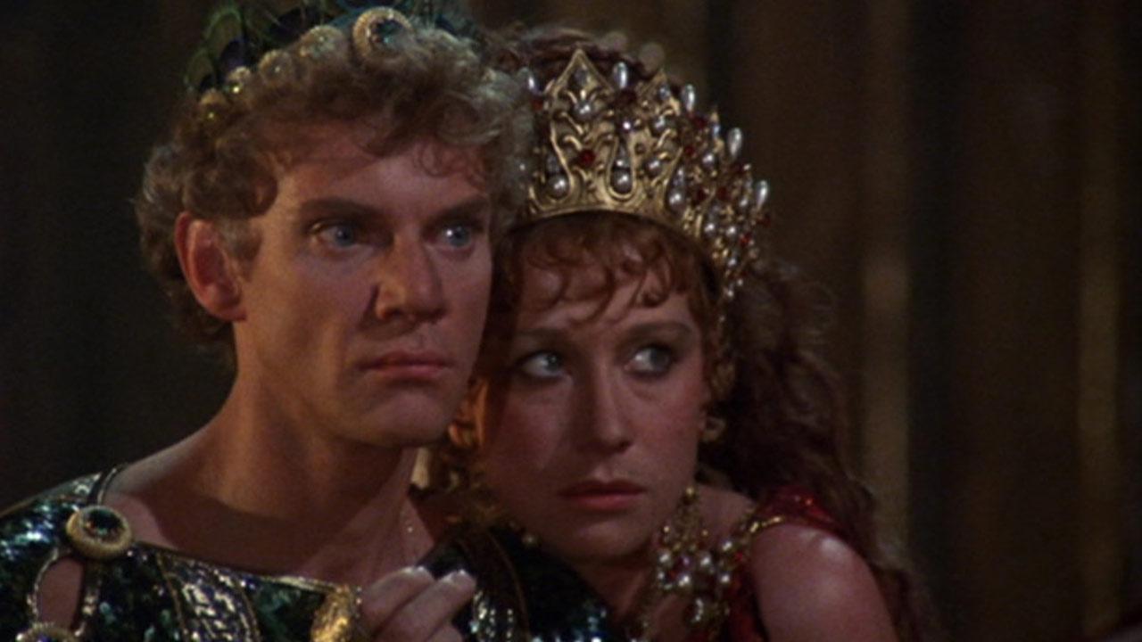 Caligula : il y a 40 ans sortait le sulfureux péplum érotique de Tinto Brass