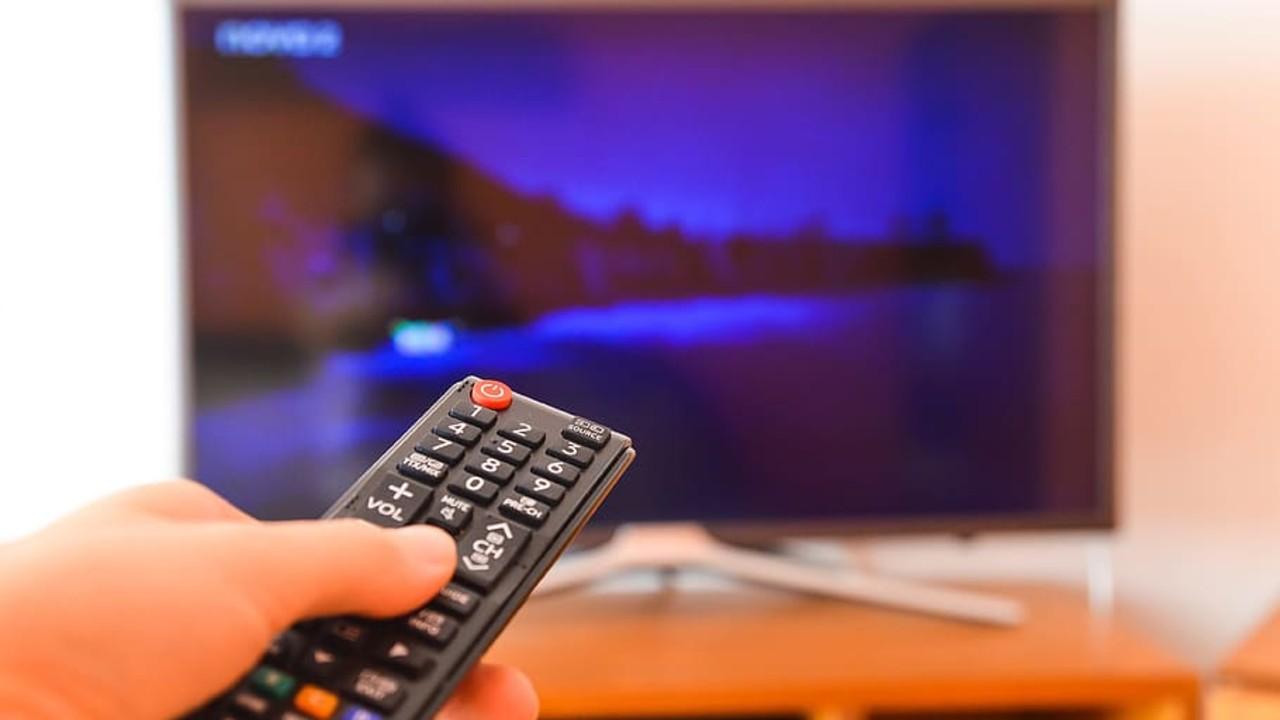 Cinéma à la télévision : les chaînes pourront diffuser des films tous les jours