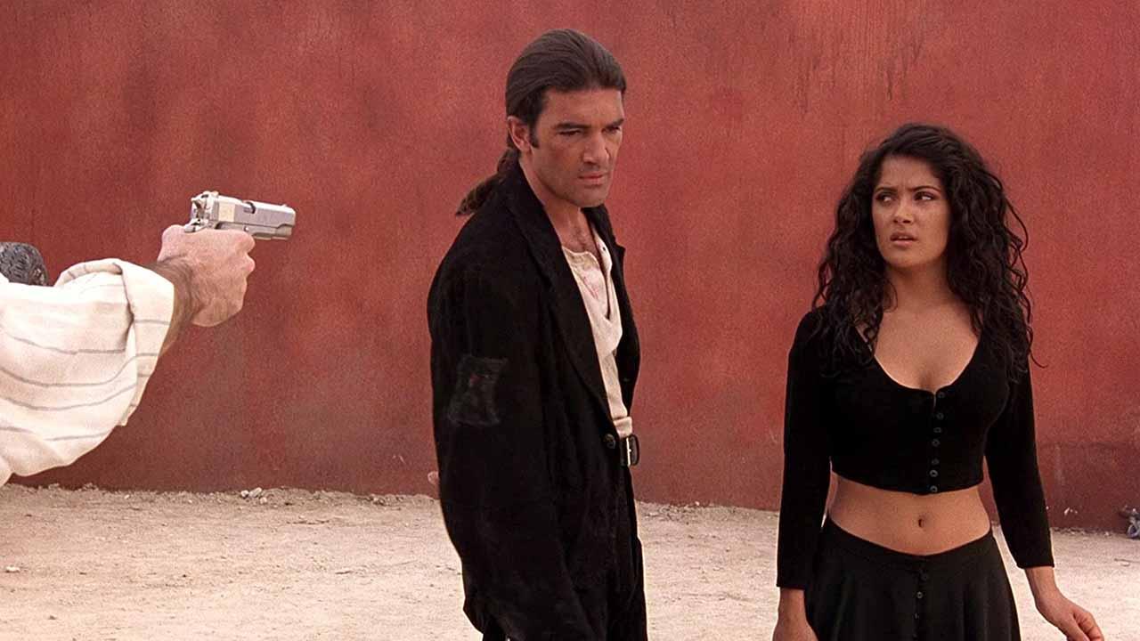 Desperado : le studio voulait Cameron Diaz pour jouer une Mexicaine, révèle Salma Hayek