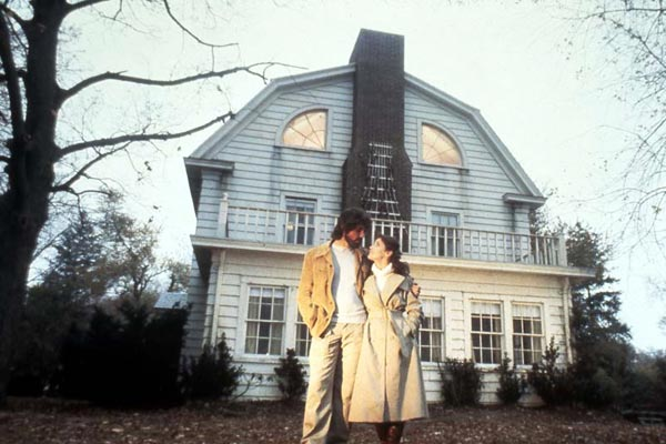 Photo de margot kidder amityville la maison du diable for Amityville la maison du diable streaming