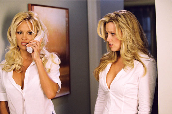 Scary Movie 3 : Photo Jenny McCarthy, Pamela Anderson