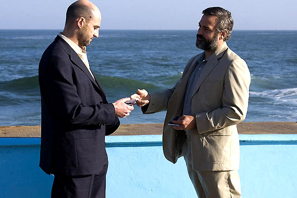 Syriana : Photo George Clooney, Mark Strong, Stephen Gaghan