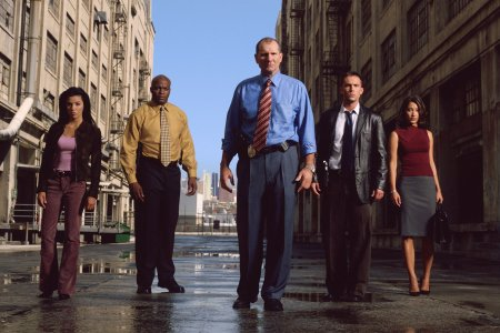 Dragnet : Photo Christina Chang, Desmond Harrington, Ed O'Neill, Eva Longoria, Evan Dexter Parke