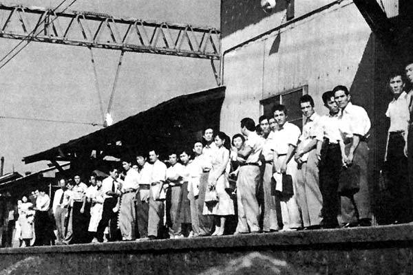 Printemps précoce : Photo Yasujirô Ozu