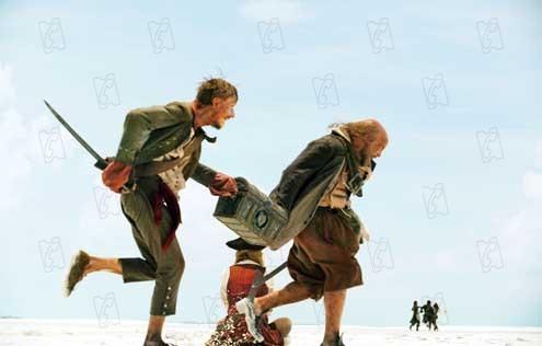 Pirates des Caraïbes : le Secret du Coffre Maudit : Photo Lee Arenberg, Mackenzie Crook