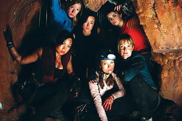 The Descent : Photo Alex Reid (II), Molly Kayll, Natalie Jackson Mendoza, Neil Marshall, Nora-Jane Noone