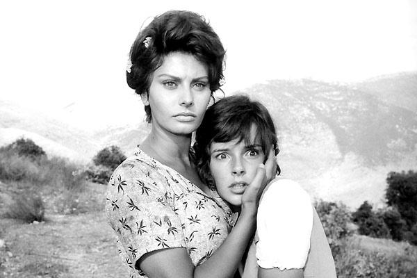 La Paysanne aux pieds nus : Photo Sophia Loren