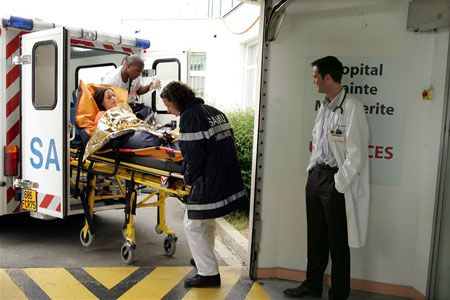 Équipe médicale d'urgence : Photo Catherine Vinatier, Daniel Lobé, Lionel Sautet, Yan Duffas