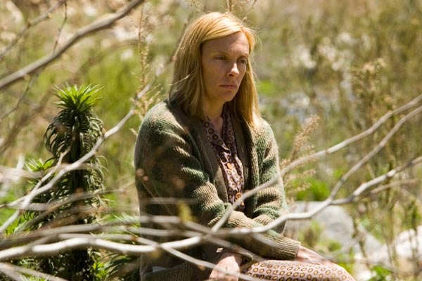 The Dead Girl : Photo Karen Moncrieff, Toni Collette