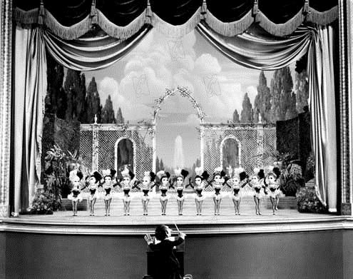 Ziegfeld Follies : Photo Hume Cronyn, William Frawley