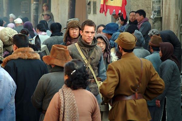 Les Orphelins de Huang Shi : Photo Jonathan Rhys-Meyers, Roger Spottiswoode