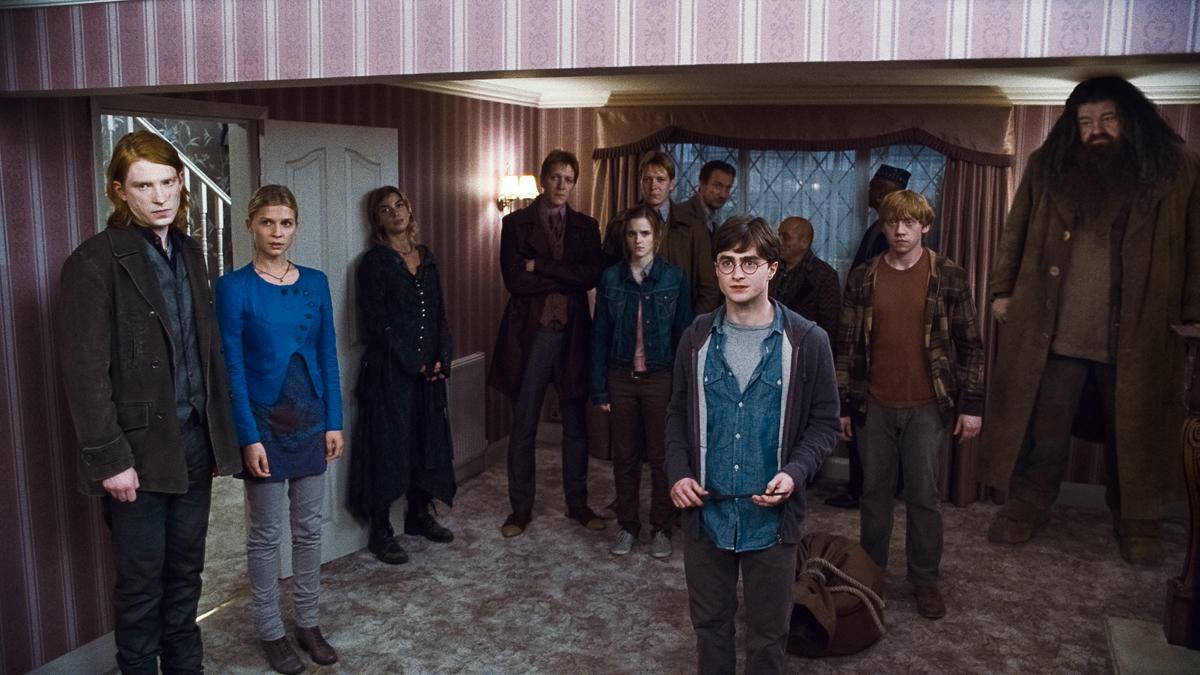 Harry Potter et les reliques de la mort - partie 1 : Photo Clémence Poésy, Daniel Radcliffe, Domhnall Gleeson, Emma Watson, James Phelps