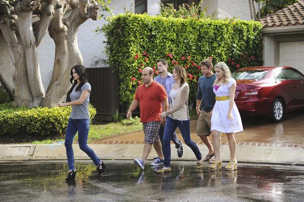 Cougar Town : Photo Brian Van Holt, Busy Philipps, Courteney Cox, Dan Byrd, Ian Gomez
