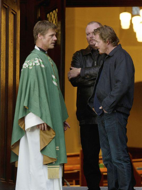 V (2009) : Photo Joel Gretsch, Teach Grant