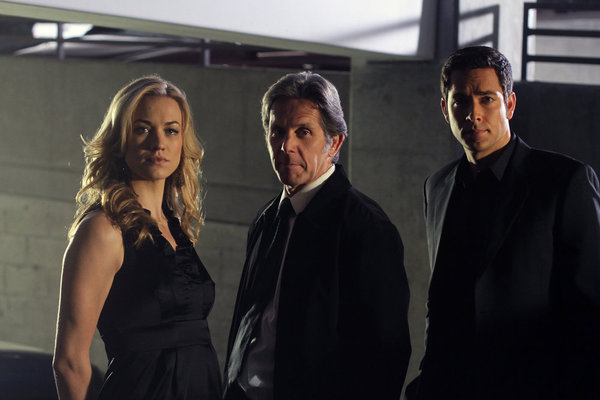 Photo Gary Cole, Yvonne Strahovski, Zachary Levi