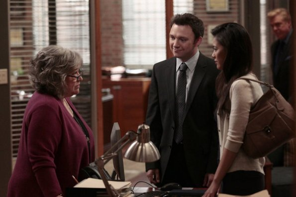 Photo Irene Keng, Kathy Bates, Nate Corddry