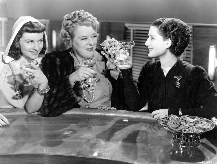 Femmes : Photo Mary Boland, Norma Shearer, Paulette Goddard