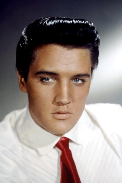 Elvis Presley devenait...