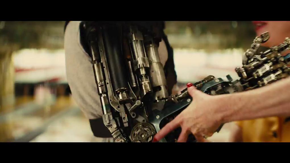 Le bras droit métallique du bras doit de Poppy